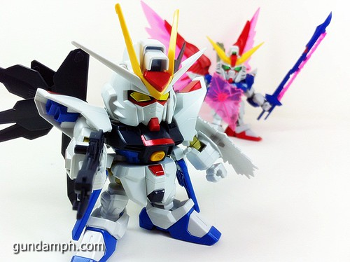 pics SD Strike Freedom Gundam (8)