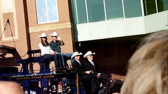 Will and Kate at Calgary Stampede - pix 33a - Hello Will and Kate