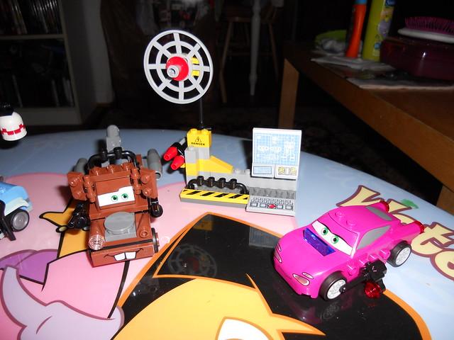 gisselle disney cars 2 lego builds (9)