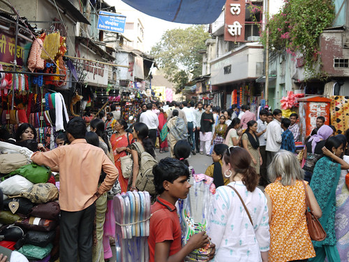 Pune 142 Laxmi Road Shopping.jpg