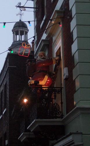 Santa Arriving