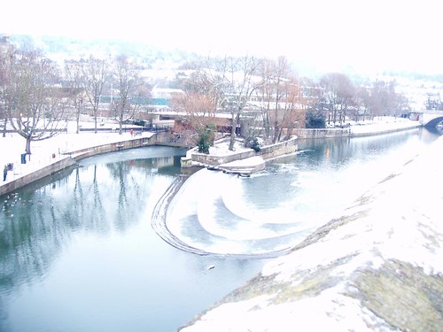 201012220132_Bath-Pultney-weir