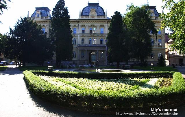 這就是Maribor大學,斯洛維尼亞第二高學府。尼的小妹正就讀這裡。