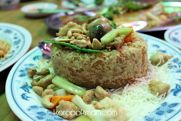Ban Tong Seafood Restaurant - Yam Ring