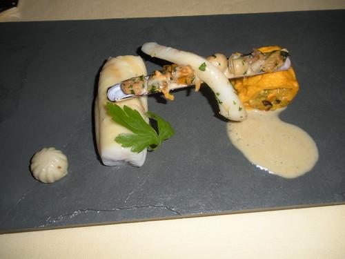 Sole glazed with champagne, Dieppoise garnishing, razor shells and flat parsley