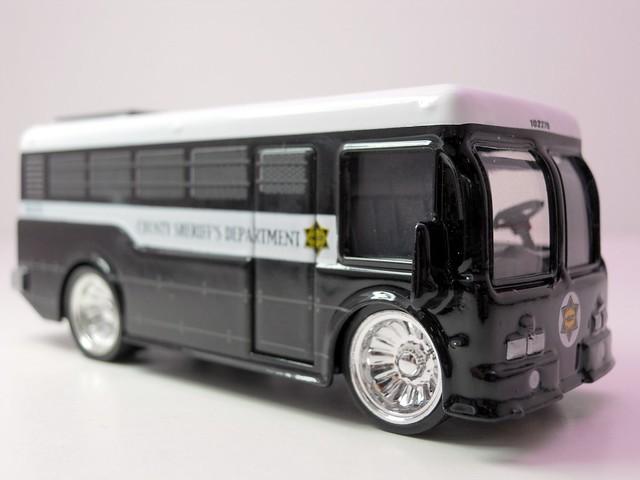 jada toys heat Sheriff city bus (2)