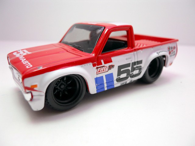 maisto custom shop fifty 5's 1975 Datsun Truck 620 (2)
