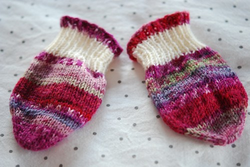 Baby mittens in Fabel