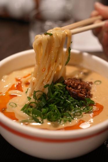 海月食堂の坦々麺