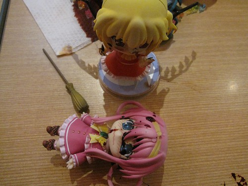 Sharo couldn't stand the blood ^^