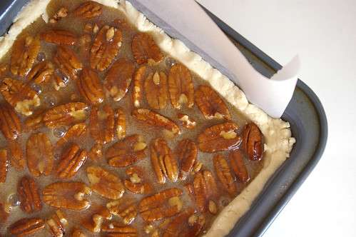 Pecans, crust and filling