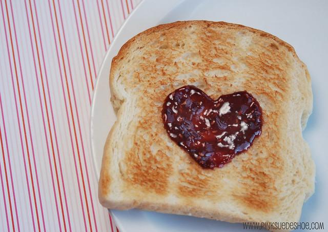 i heart toast