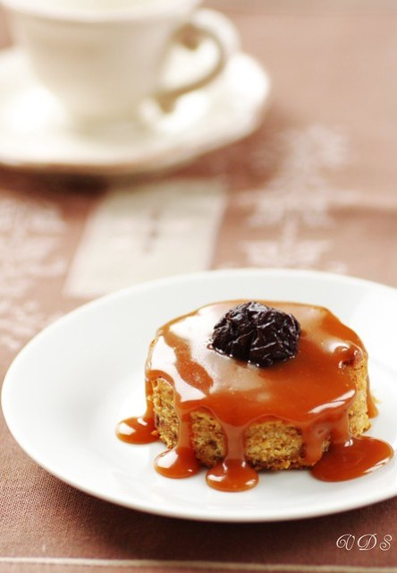 Sticky plum toffee pudding