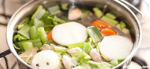 Como se faz: Caldo de Legumes