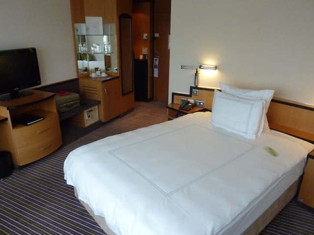 Room With Nothing In It: SWISSOTEL ZURICH: NOTHING WRONG, BUT NOT ALL RIGHT! MY