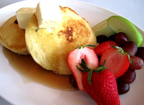 Old Fashioned Pancakes with Fruits