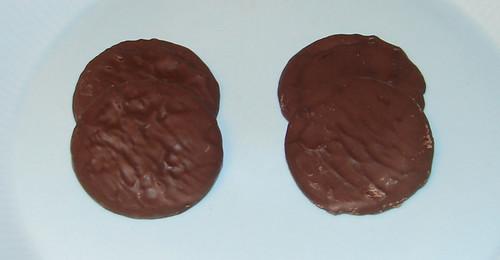 Golden Oreo Fudge Cremes and Peanut Butter Creme Oreo Fudge Cremes Naked
