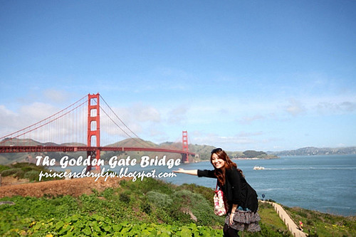 princess at golden gate bridge