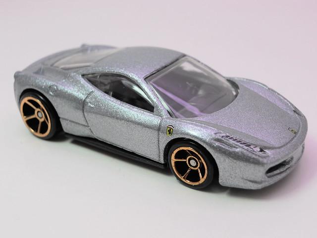 hot wheels ferrari 458 Italia silver (2)