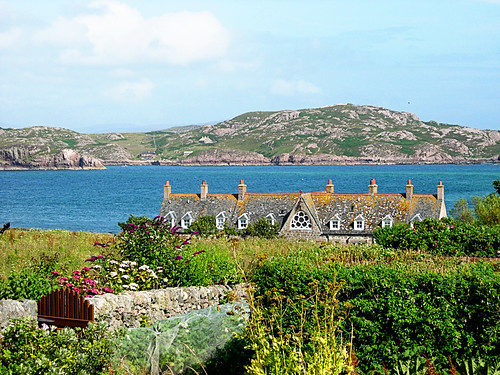 Iona-view-towards-Mull