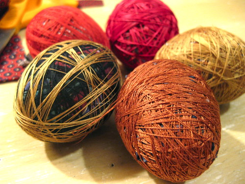 Dyeing eggs with silk ties