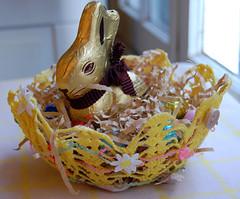 CRAFT - Vintage Doily Easter Basket