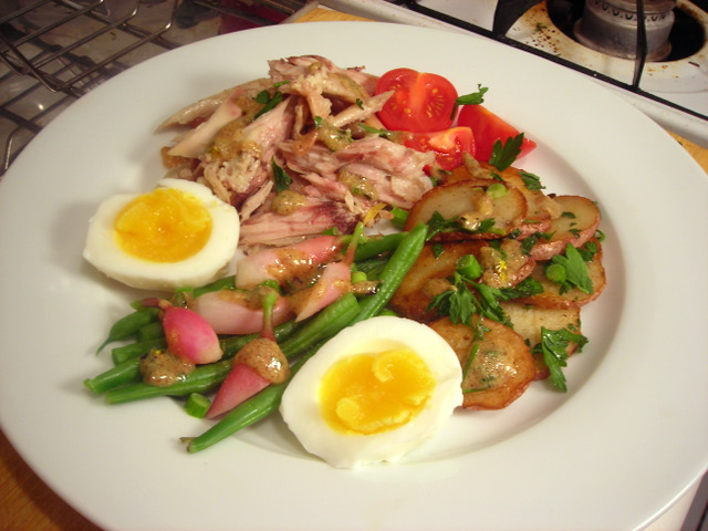 Salade parisienne with sauce moutarde