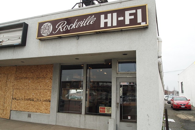 Image of a sign for Rockville Hi-Fi