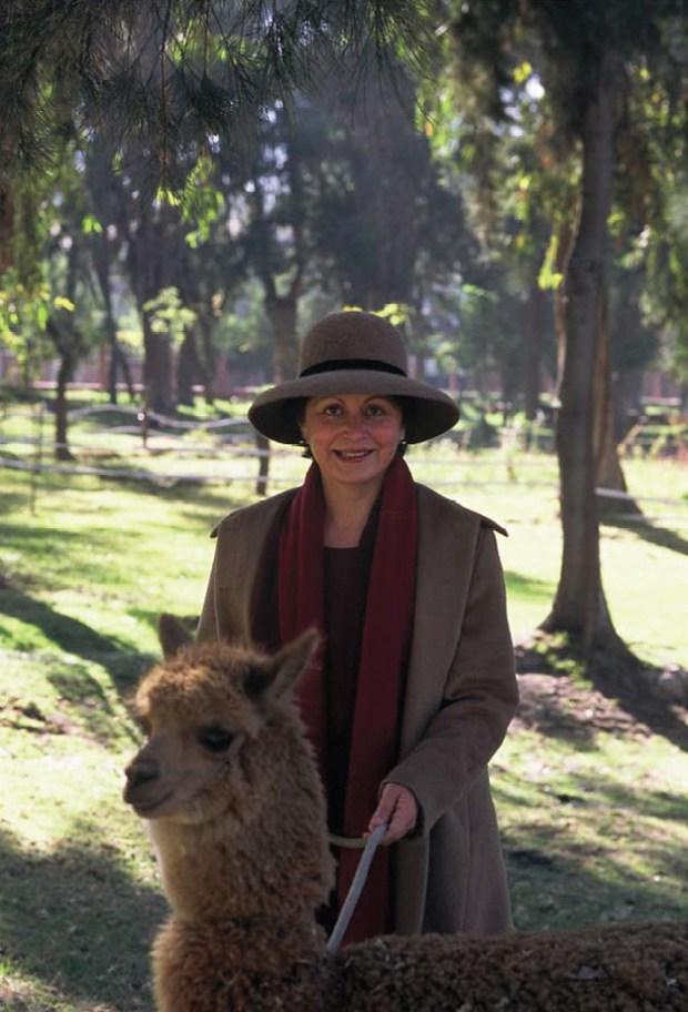 Sandra with  Alpaca