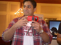 CJ with Nokia 808 and stand