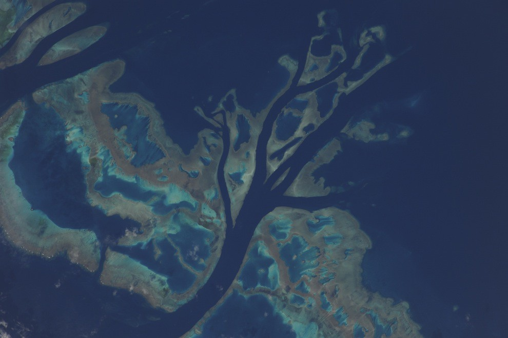 5197444500 13a2f32598 b Incredible Space Pics from ISS by NASA astronaut Wheelock [29 Pics]
