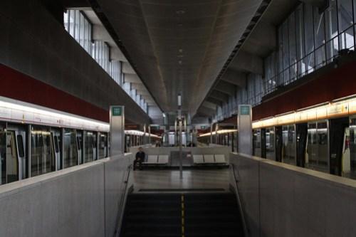 Northbound platforms at Lai King station