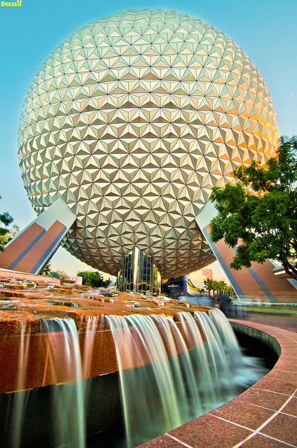 EPCOT Center - SpaceShip Earth Fountain (Day)