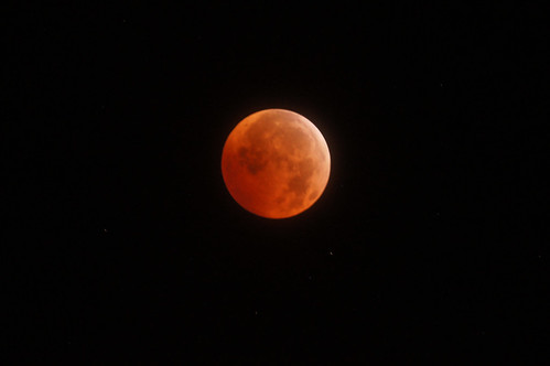 Middle of totality: 3:16 AM (One minute before greatest eclipse) - Winter Solstice Total Lunar Eclipse