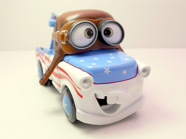Disney Store CARS Aviator Mater (1)
