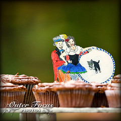 Shrinky Dink Cake Topper w/ Cupcakes