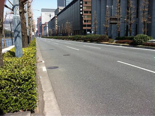 Calles desiertas en el centro de Tokio