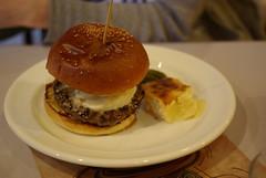 Carnaya Burger