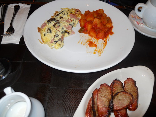 Ham and Mushroom Omelet w/ sausage