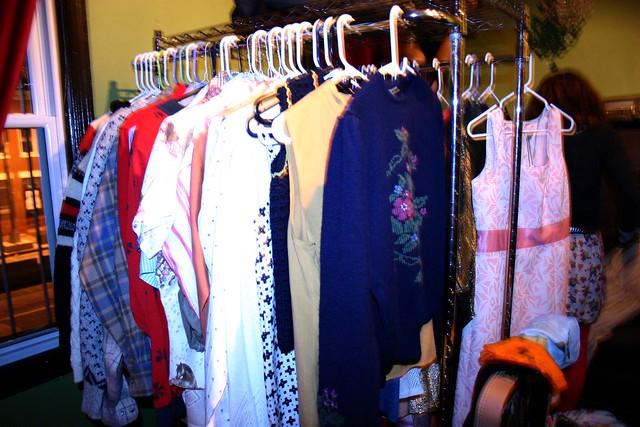 clothing_rack