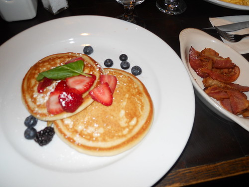 Pancakes w/ bacon