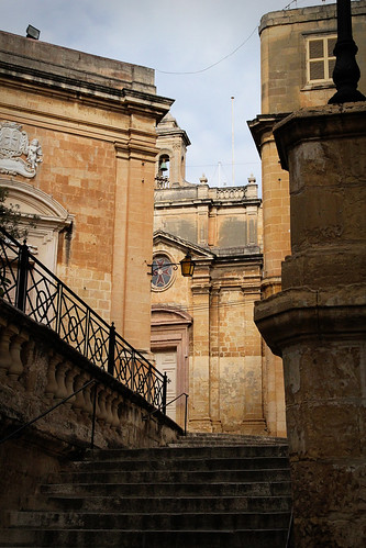 Stairs-church-Vittoriosa