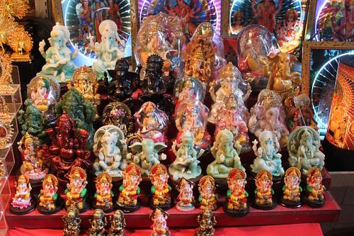 201102180775_souvenirs