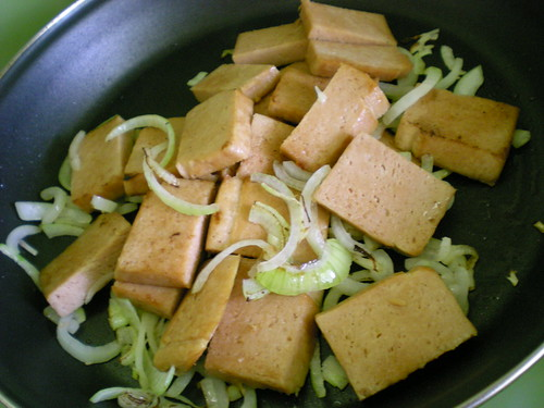 Cooking luncheon meat 4