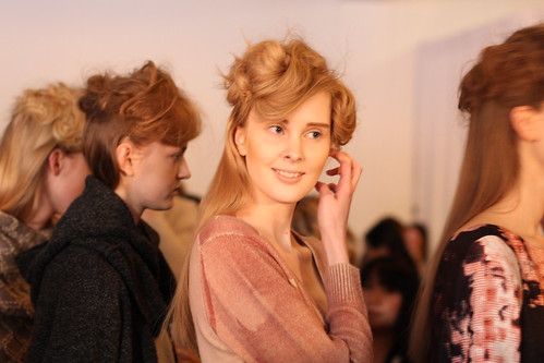 RACHEL COMEY FALL 2011- BACKSTAGE (26)