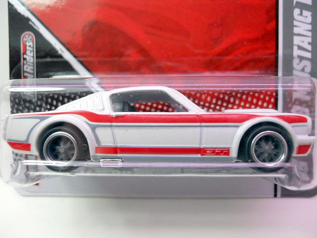 hot wheels garage 65 ford mustang fastback (2)