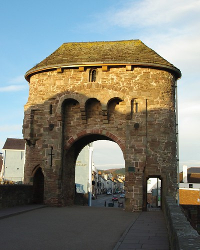 20110227-62_Monnow Bridge Gate - Monmouth by gary.hadden