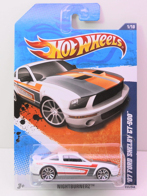 hot wheels '07 ford shelby gt500 (1)
