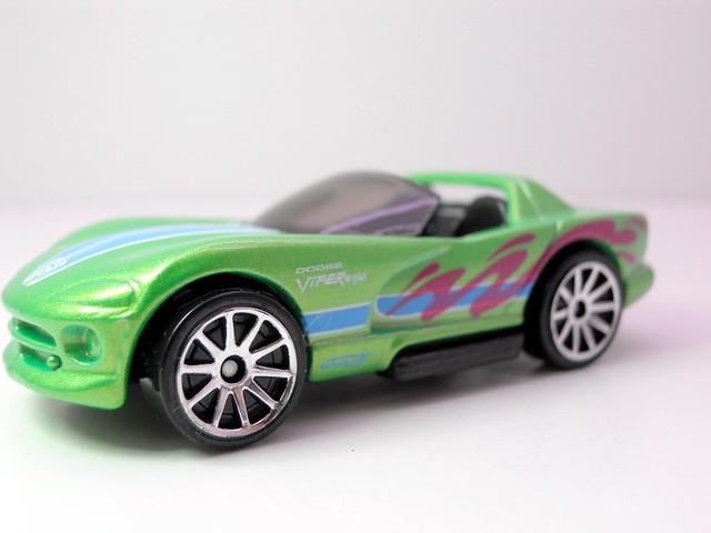 hot wheels cars of the decade dodge viper (2)