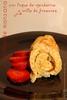Tortilla de manzana con toque de mandarina y orilla de fresones